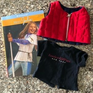AMERICAN GIRL NY Store T-shirt, puffer vest & book